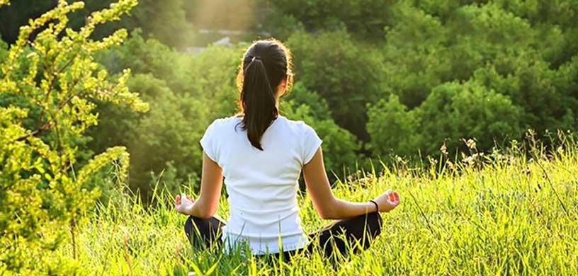 یوگا در درمان سندروم پیش از قاعدگی چیست